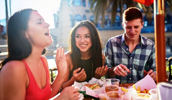 8 Easy Ways To Meet And Make Friends As An Expat In Spain
